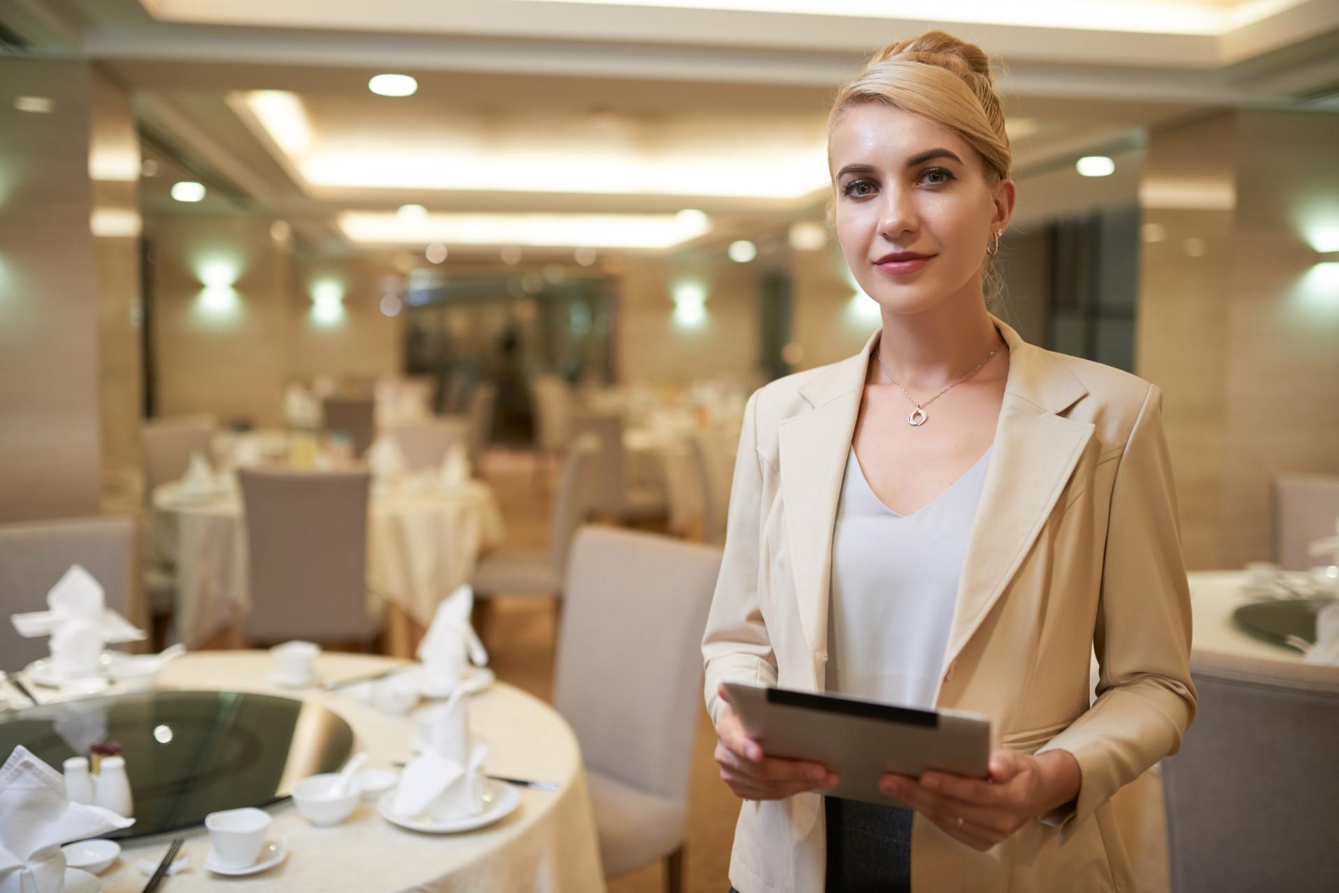 Empregados de mesa temporários ou em regime de outsourcing
